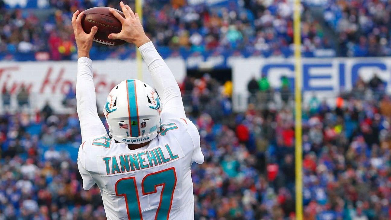 Ryan Tannehill pega TD Pass, um regresso à faculdad
