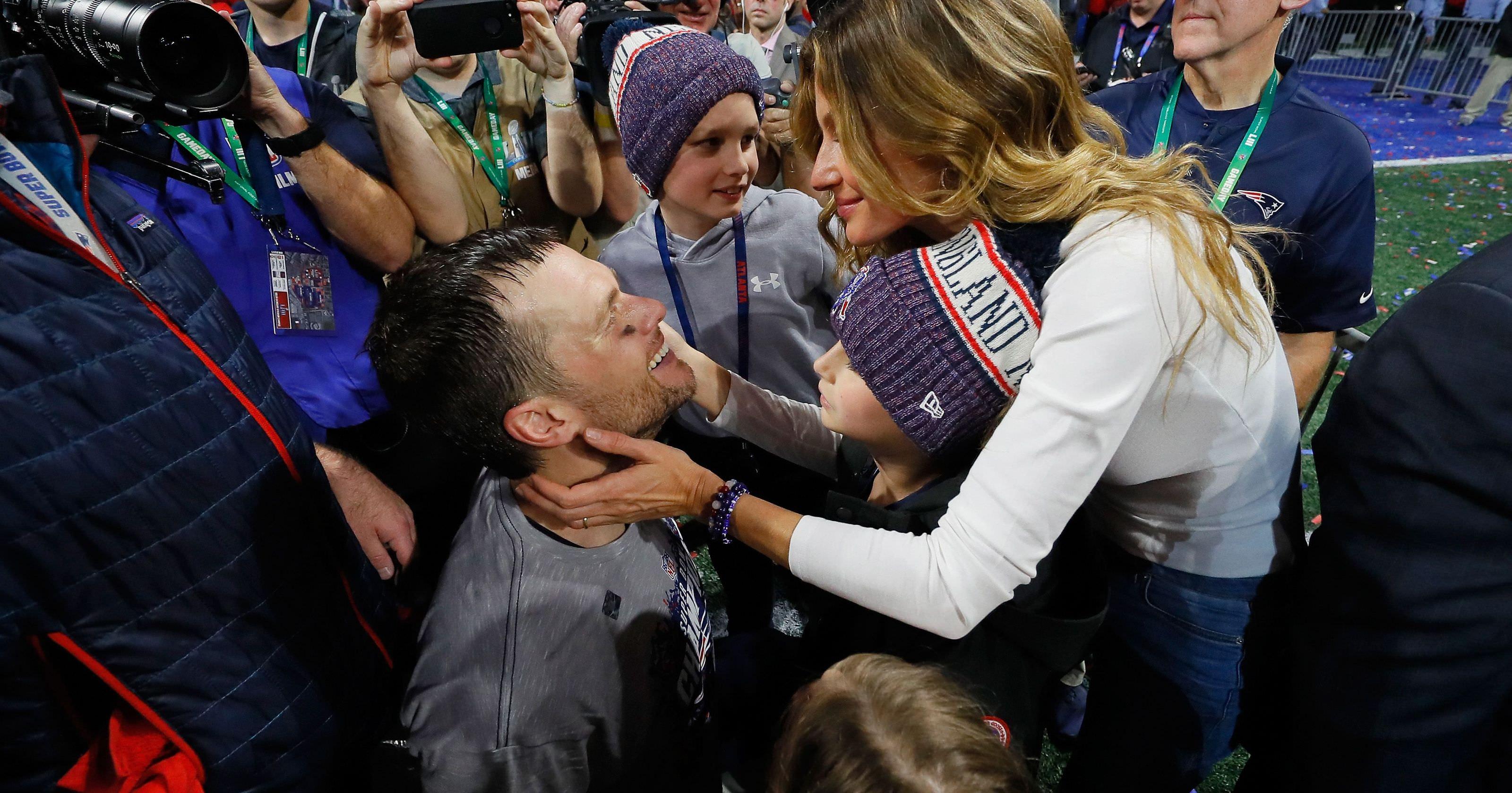 Tom Brady compartilha momento especial com a família após a vitória do Super Bowl LIII dos Patriots