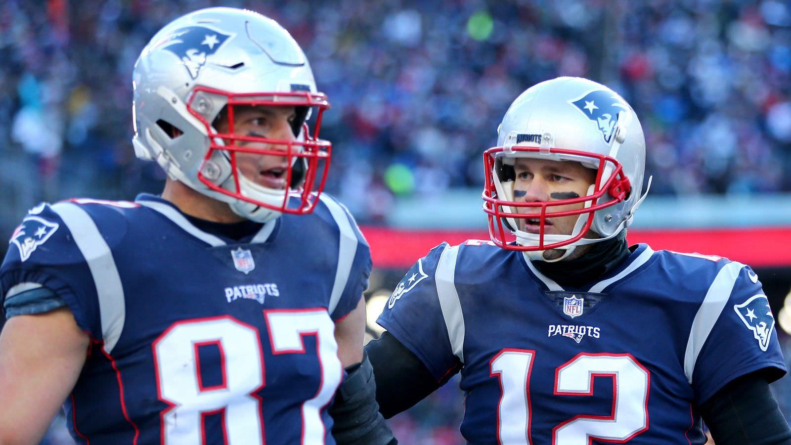 Relatório: Os patriotas culpam o treinador de charlatão de Tom Brady pelos ferimentos de Gronk
