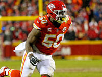 Colts assina All-Pro pass rusher Justin Houston
