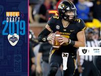Zombaria de 4 rounds: Raiders, Fins trocam por QBs – NFL.com