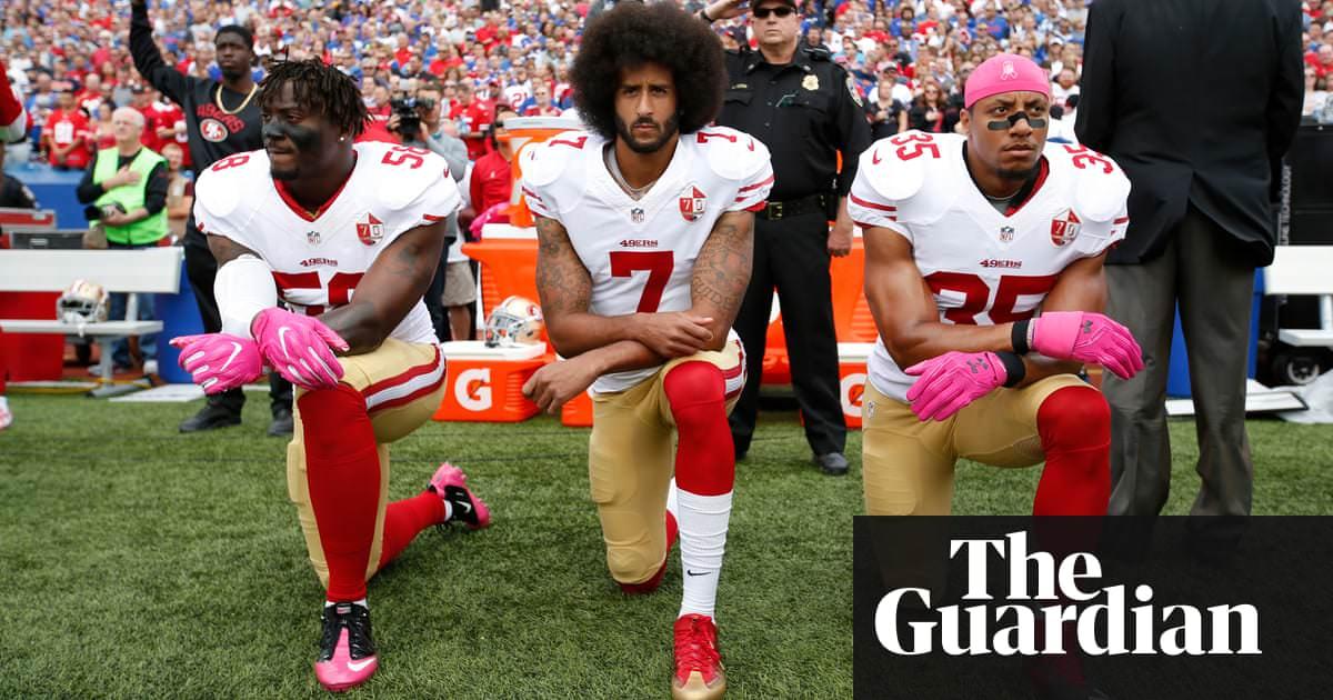Reclamação de Colin Kaepernick definida para julgamento após pedido de demissão da NFL é negado
