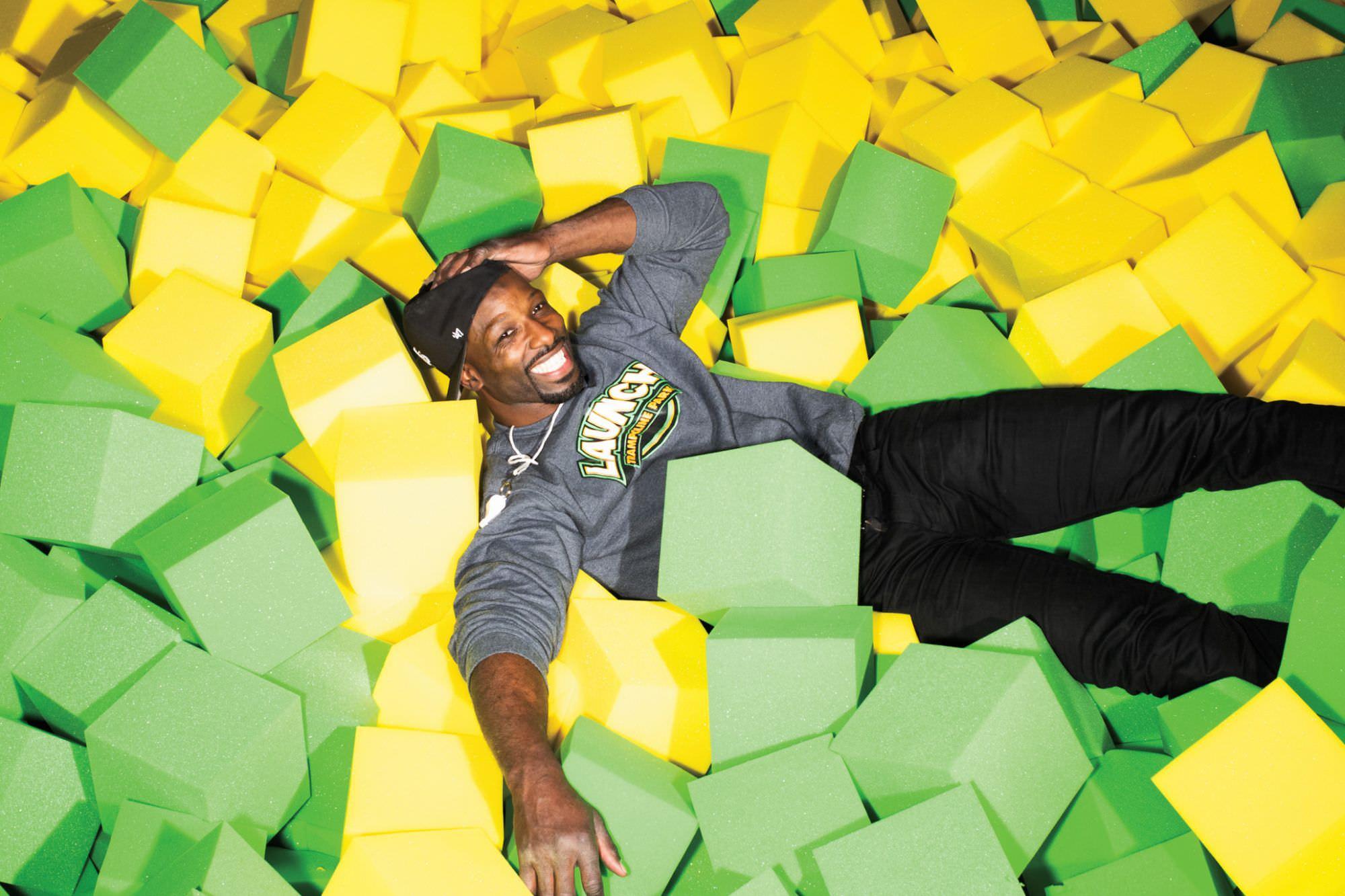 A ex-estrela da NFL Jason Avant tem uma nova carreira – em parques de trampolim