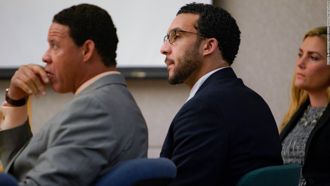 O ex-jogador da NFL Kellen Winslow II considerado culpado em 3 acusações, deliberações continuam
