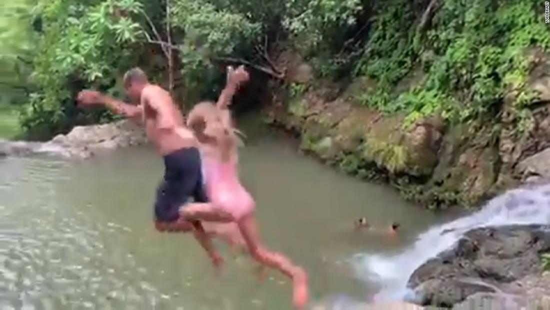 Assista Brady cliff saltar com sua filha
