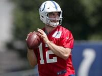 Colts espera Luck fora de treinos de equipe, citam a lesão de Durant