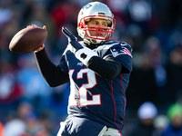 Tom Brady concorda em contratar extensão com Patriots