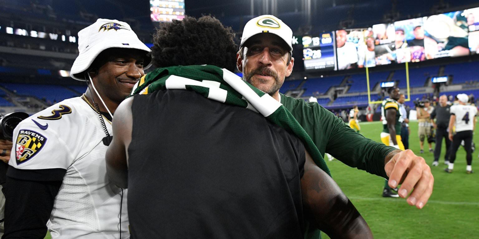 Aaron Rodgers ofereceu a Lamar Jackson alguns conselhos simples depois que o quarterback do Ravens marcou um touchdown incrível