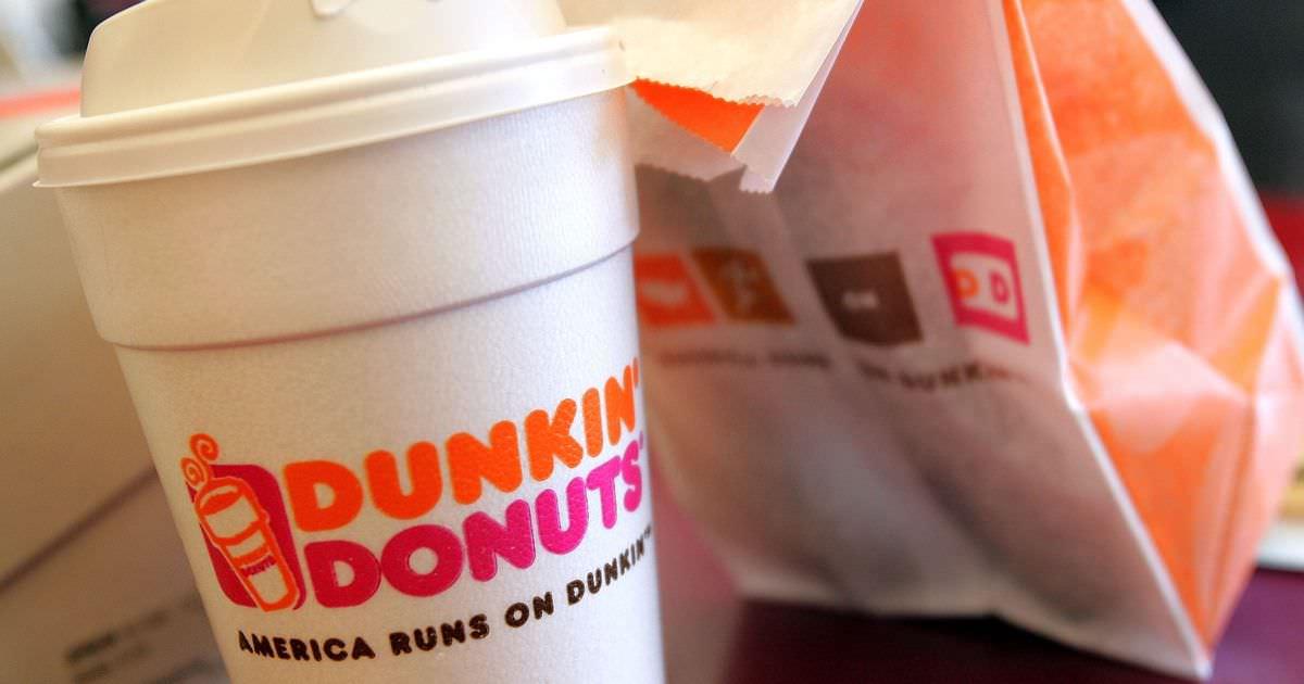 O Dunkin 'Donuts não está realmente perseguindo os fãs do Patriots, mas é um bom pensamento