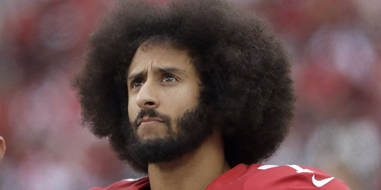 A NFL divulgou uma declaração apoiando os jogadores protestando contra questões sociais, incluindo Colin Kaepernick