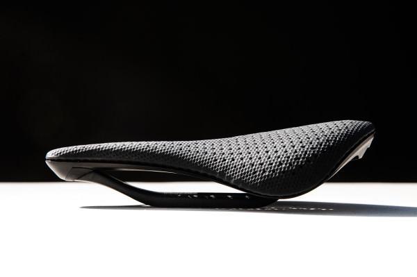 A próxima parceria da Carbon é um assento de bicicleta impresso em 3D da Specialized