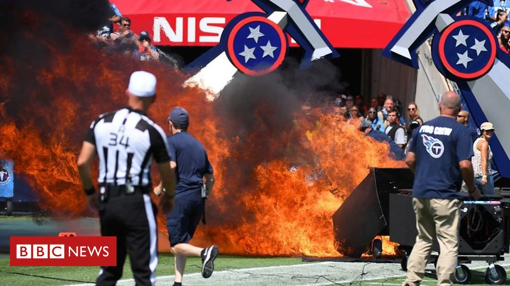 Fogo irrompe em campo momentos antes do jogo da NFL