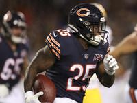 RB raramente usado Mike Davis sendo lançado pelo Bears