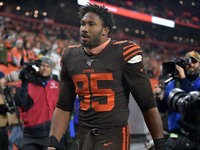 Browns vai ficar de pé suspenso DE Myles Garrett