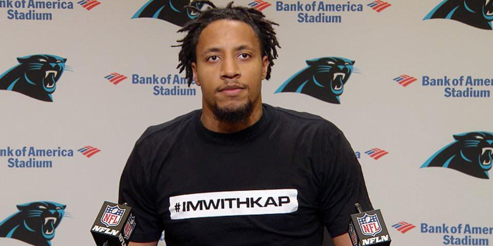 """A segurança recém-contratada dos Panteras, que tem um caso de conluio em andamento contra a NFL, usava uma camiseta que dizia """"Estou com Kap"""" em sua primeira coletiva de imprensa."""