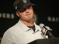 Jon Gruden pede desculpas aos fãs por perder final de Oakland