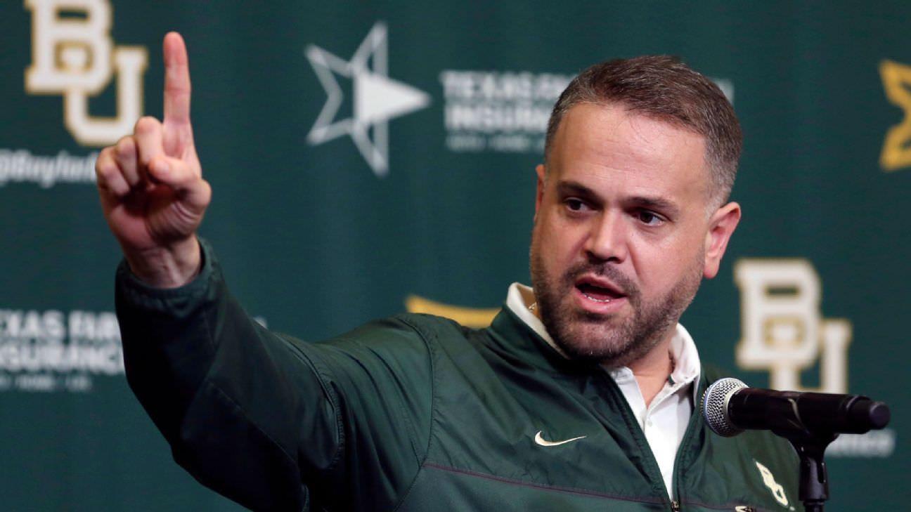 Rhule, da Baylor, planeja ficar em meio a especulações da NFL