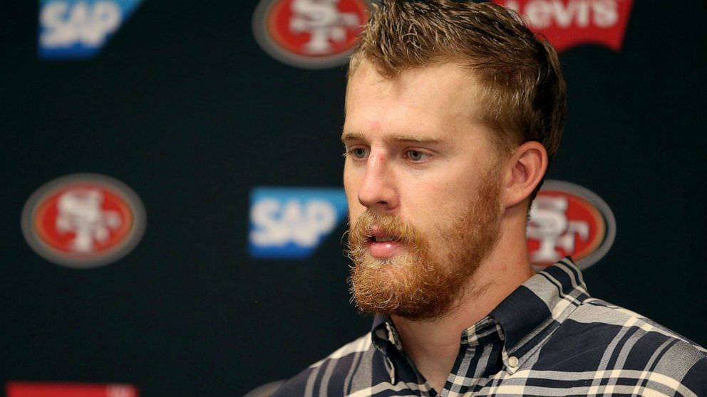 Jogador da NFL fala sobre assassinato de irmão
