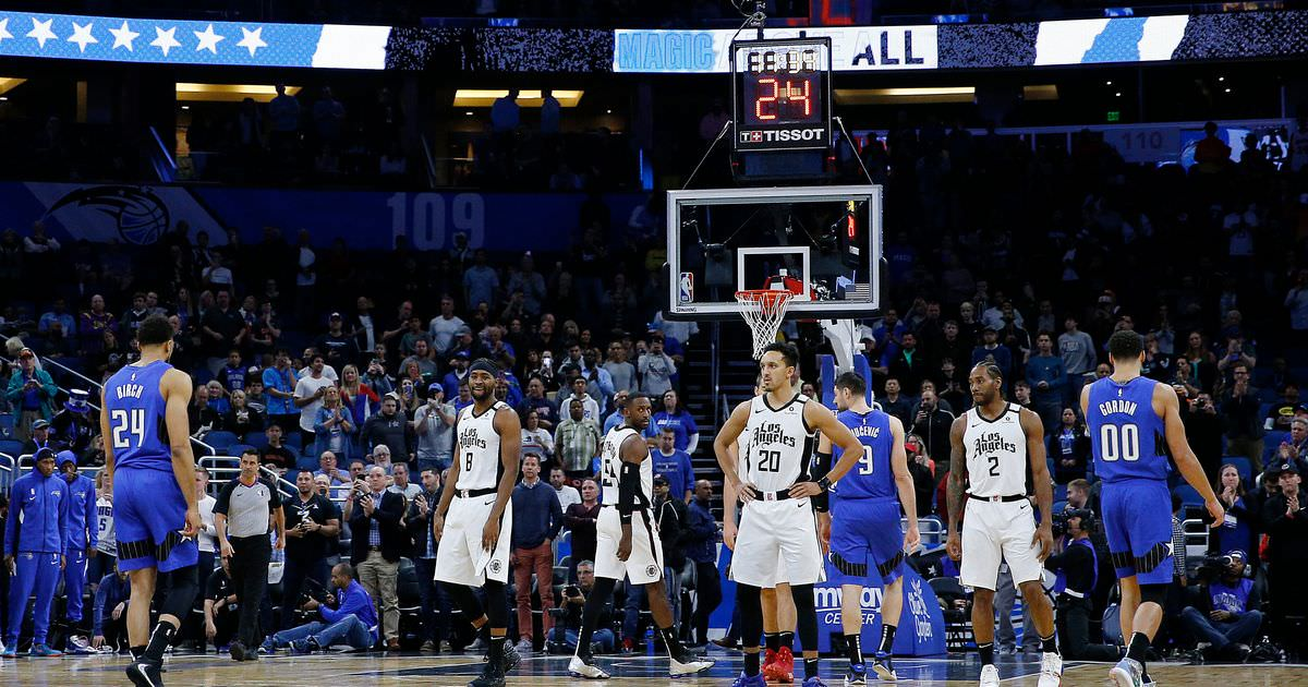 Times da NBA cometem intencionalmente violações em quadra para prestar homenagem a Kobe Bryant