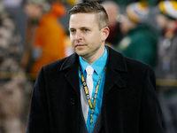 Browns, assistente do GM Eliot Wolf, concorda em se separar