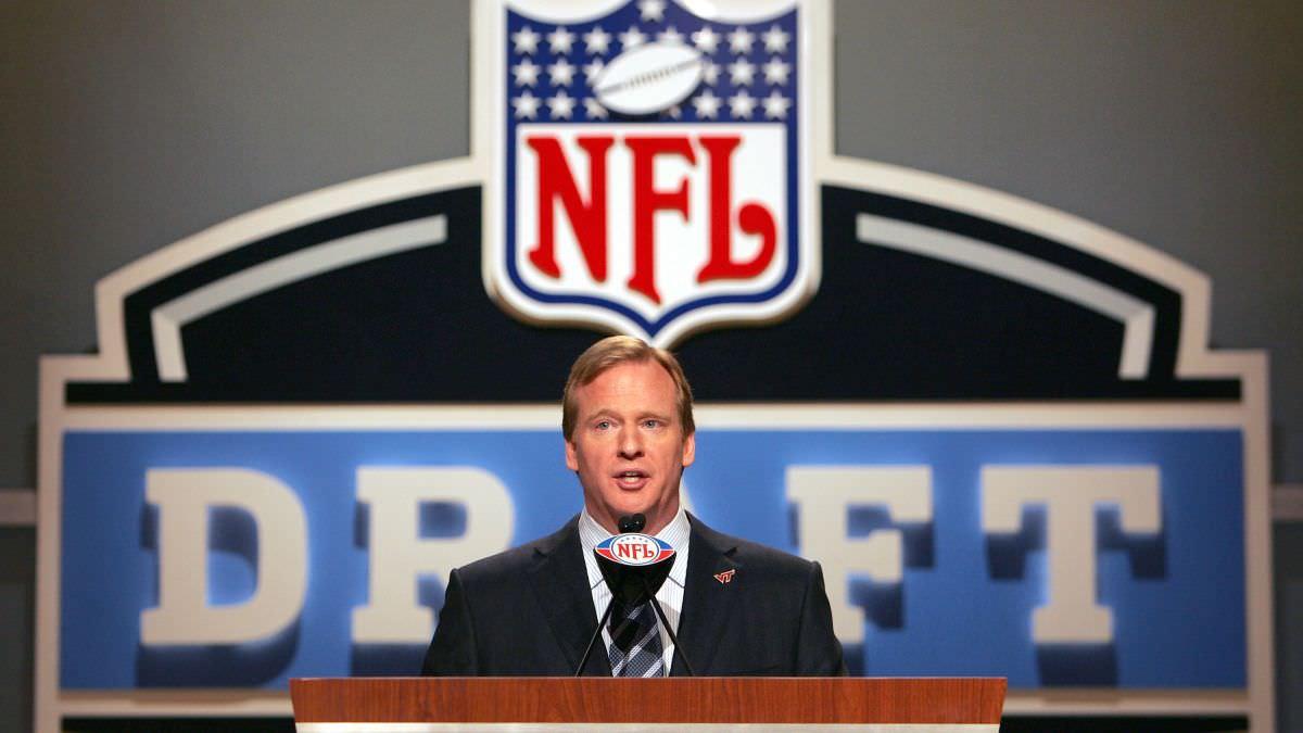 Ei, NFL, você está no relógio. Faça a escolha certa e adie o rascunho