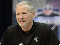Mike Mayock, do Raiders, detalha os planos para o draft em casa