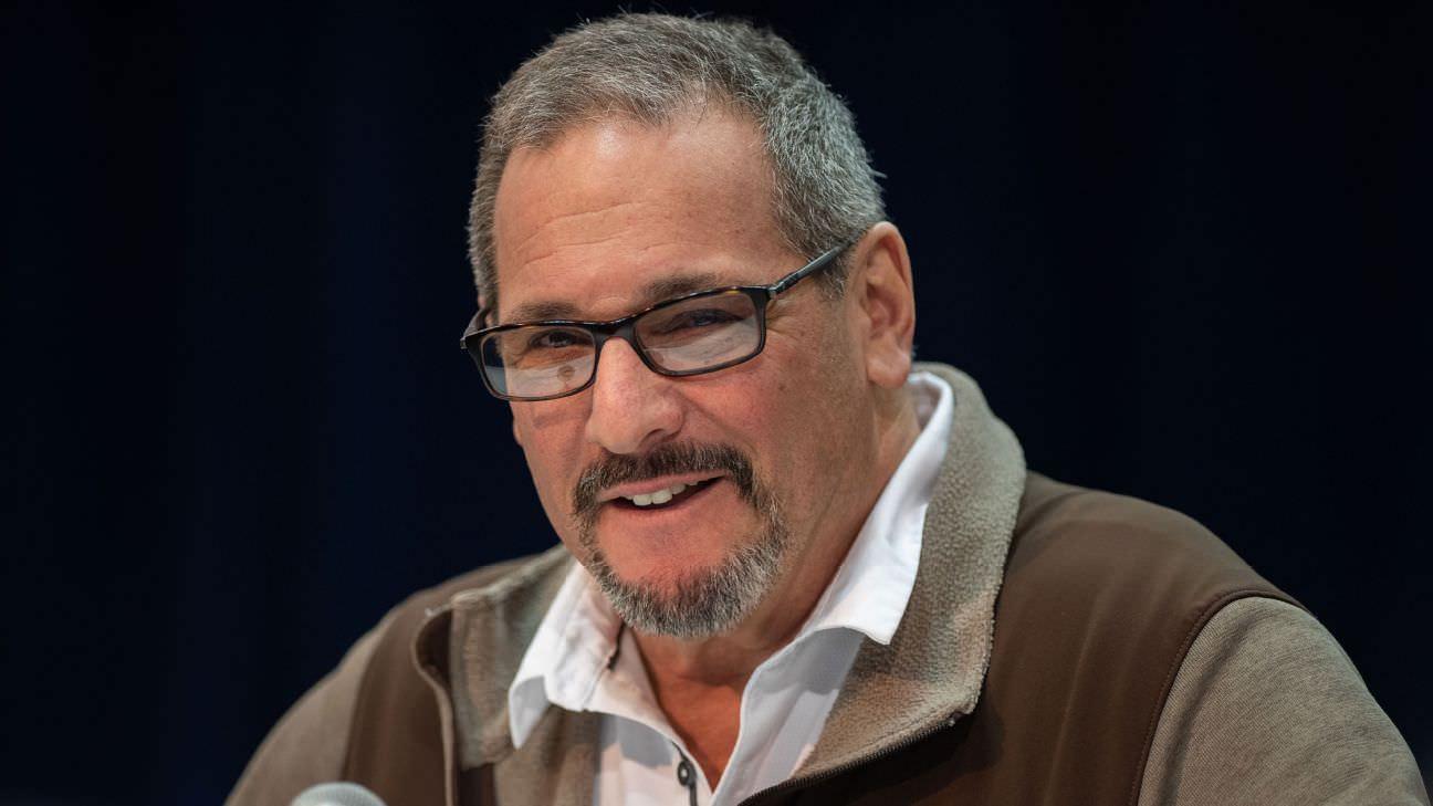 Dave Gettleman, do Giants, explica o uso de máscara durante o draft virtual da NFL