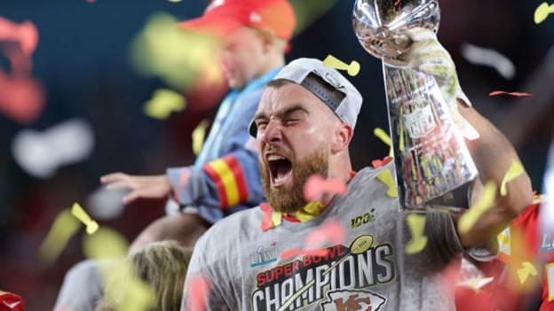 Proprietários de equipes da NFL votam para prolongar play-offs da temporada 2020