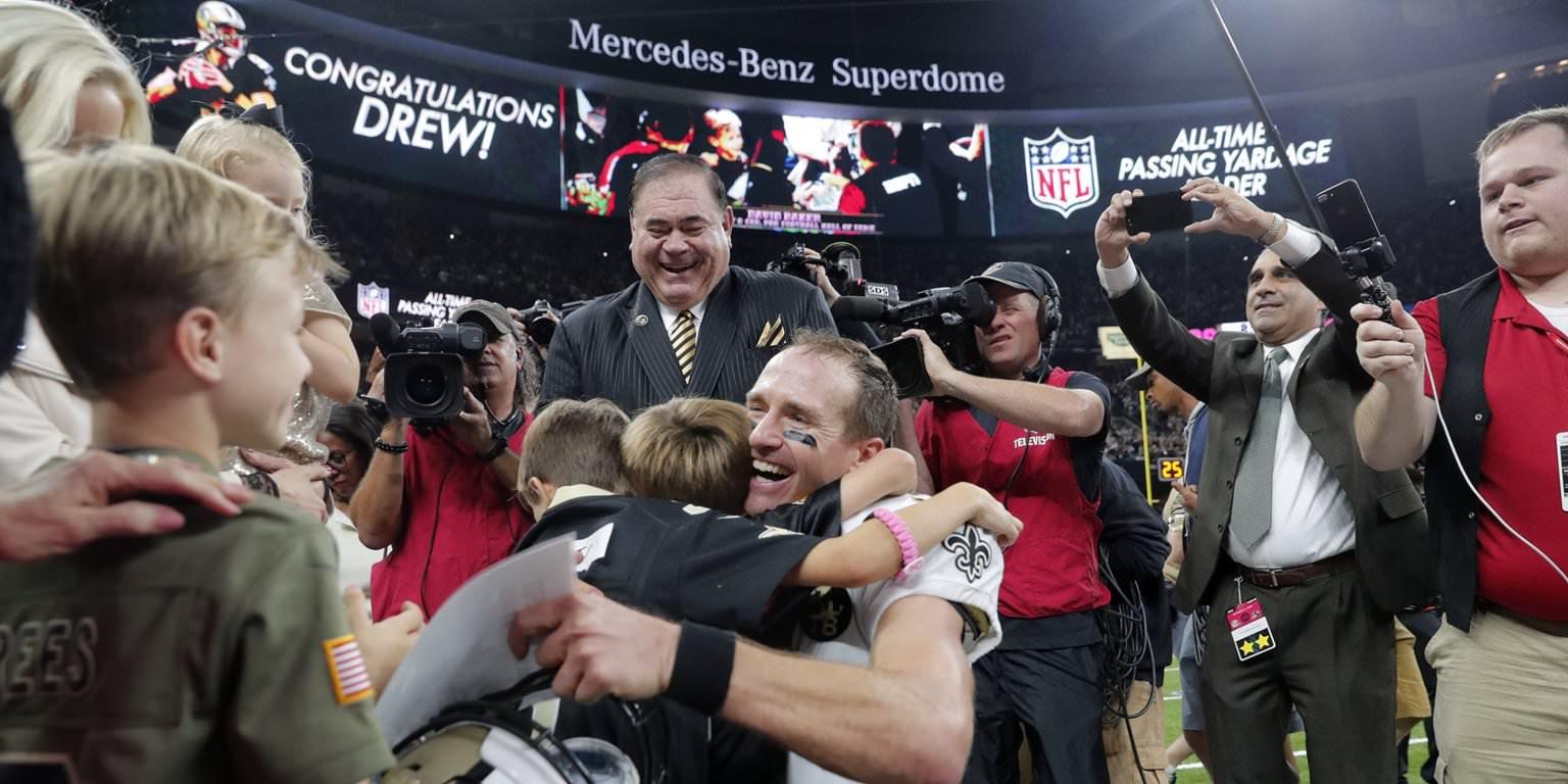 Drew Brees teve uma mensagem inspiradora para seus filhos depois de quebrar o recorde de todos os tempos da NFL