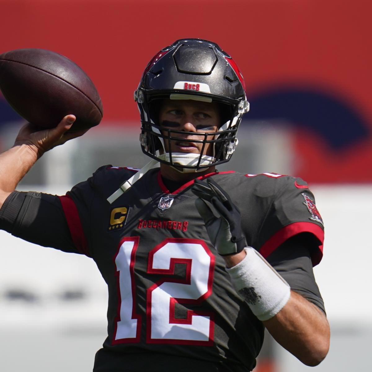 Semana 4 NFL Picks: dicas para as probabilidades de Vegas e previsões de pontuação acima / abaixo