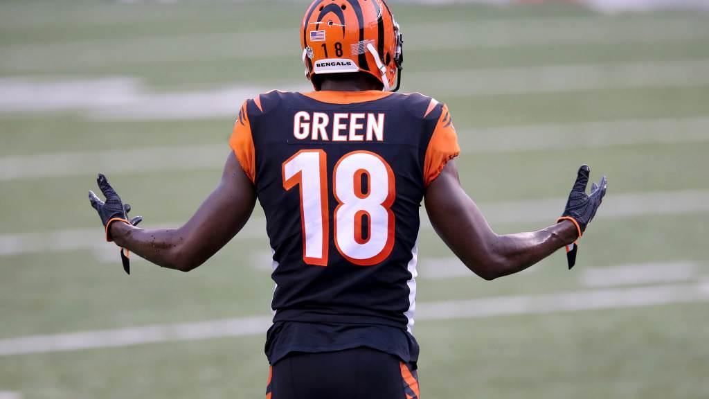Os fãs da NFL rasgaram a reação confusa de AJ Green a uma falha de tiro de Joe Burrow